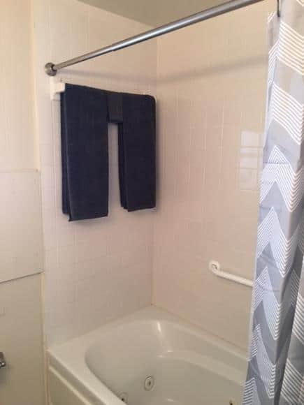 Full Size Shower:Tub