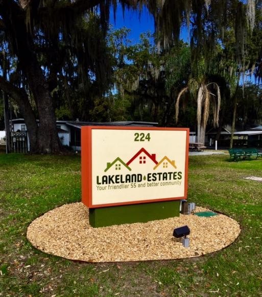 Lakeland Estates Sign