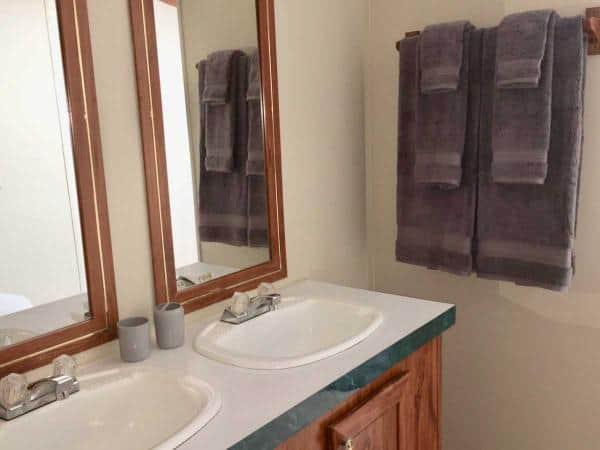 016-Dual-Sink-Master-Bath