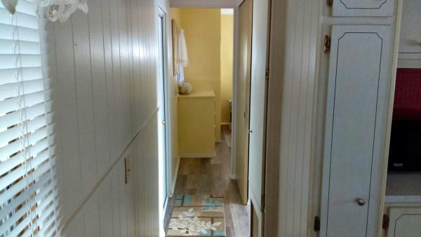 Hallway to Bath-Bedroom