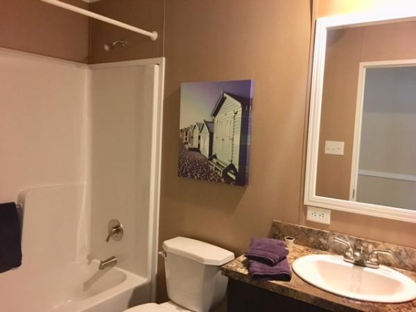 2nd Bath Tub/Shower