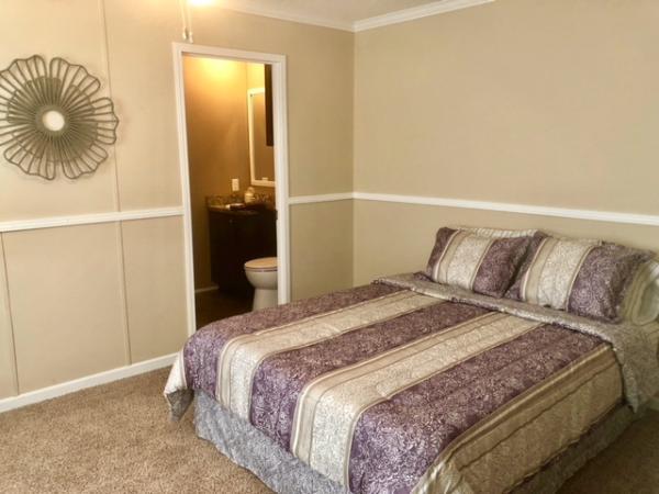 Master Bedroom w/Bath
