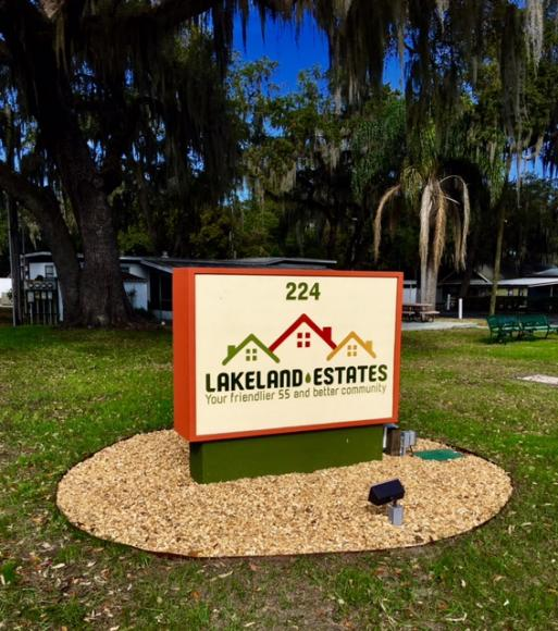 Lakeland Estates Sign